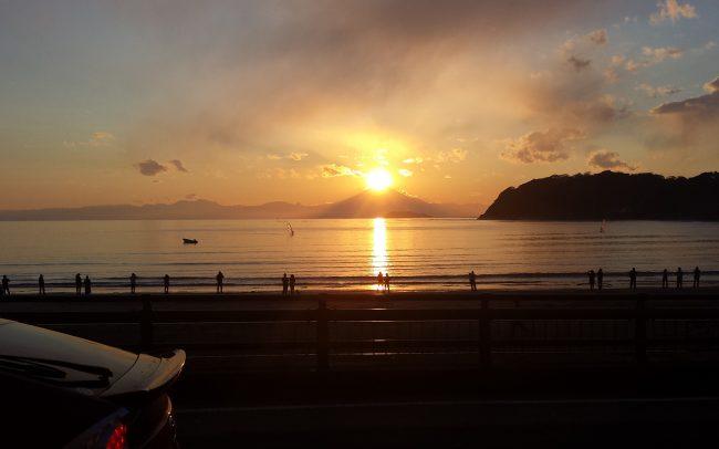逗子海岸からのダイヤモンド富士